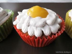 Avocado-Mango Cupcakes mit Kokos Frosting vegan