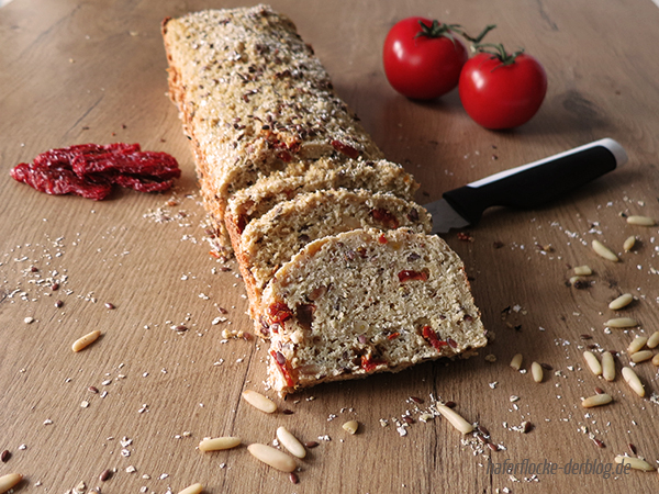 Mediterranes Low Carb Eiweiß Brot
