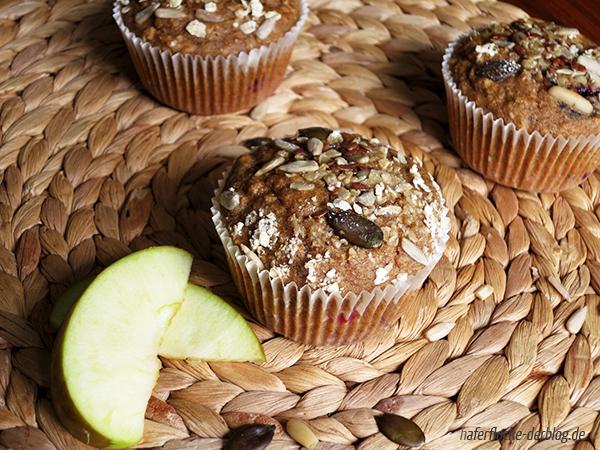 Vollwert Frühstück Muffins mit Beeren
