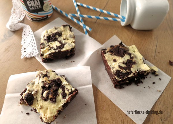 LowCarb_Chai_Cheesecake_Brownies_web