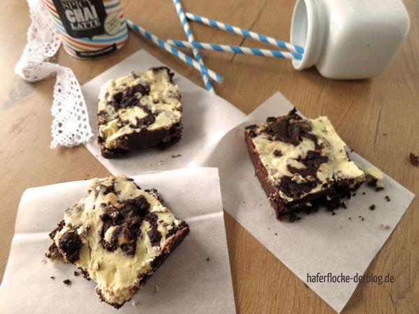 LowCarb_Chai_Cheesecake_Brownies_web