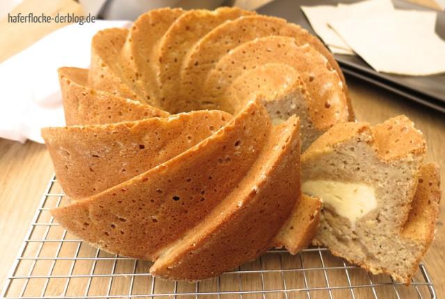 Apfelgugl_mit_Cheesecake_Füllung_web