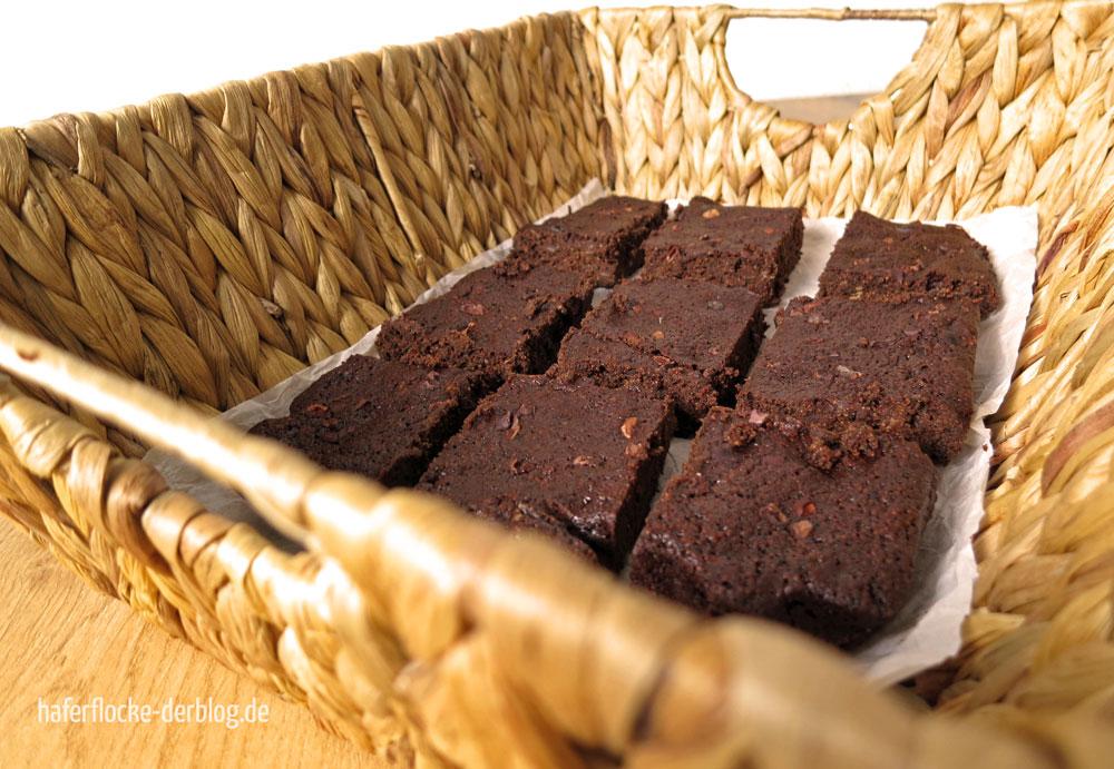 Knusper-Brownies mit Canihua