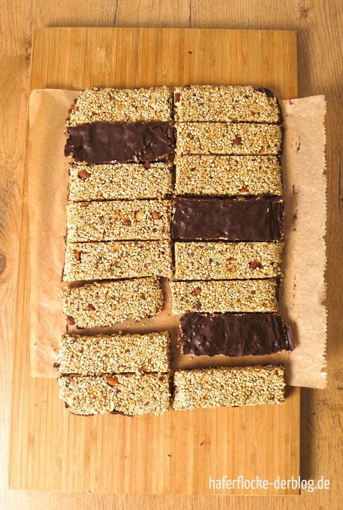 Amaranth-Quinoa Riegel mit Hanfsamen