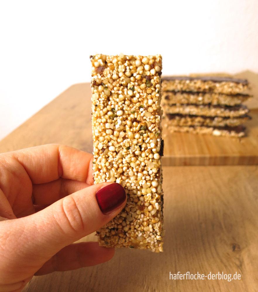 Softe Riegel mit Hanfsamen und Quinoa