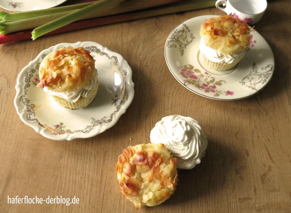 Bienenstich-Muffins-Rhabarber_web