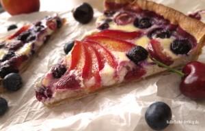 Ricotta-Tarte mit Sommerfrüchten