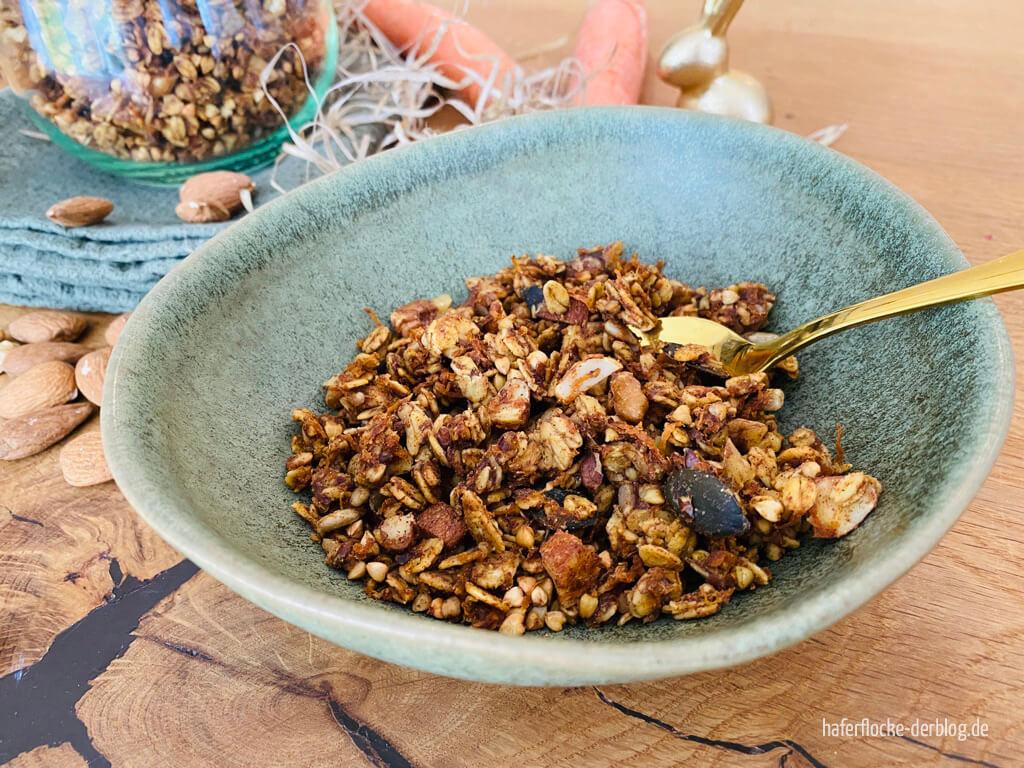 Knuspriges veganes Granola mit Karotten